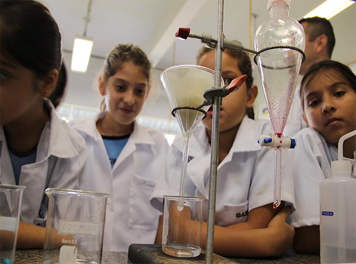 O Projeto de Extensão da Univiçosa chega ao seu 2º ano atendendo crianças e adolescentes de escolas públicas e privadas da cidade de Viçosa e região