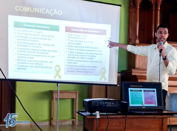 O estudanteJoão Victor Ribeiro conversou com jovens dos municípios de Ponte Nova, São Miguel do Anta, Araponga e Santa Cruz do Escalvado.
