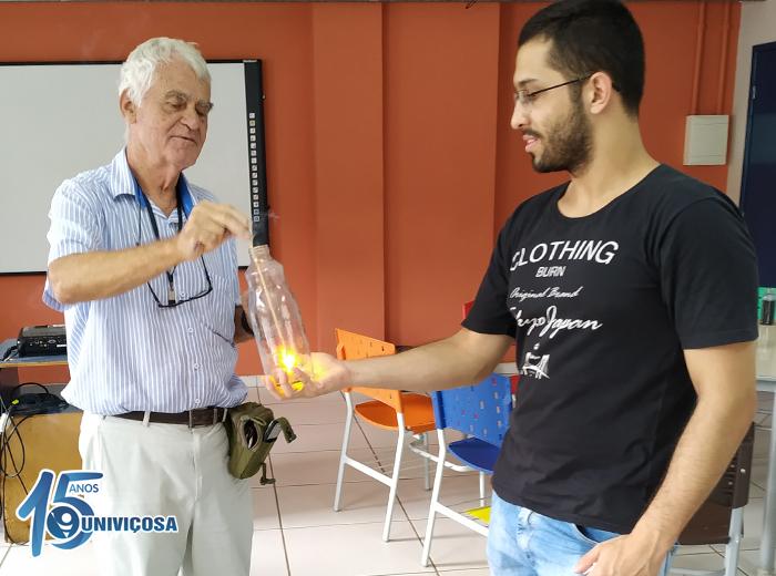 A realização do evento foi feita pelos alunos dos cursos de Engenharia Química e Engenharia Ambiental.